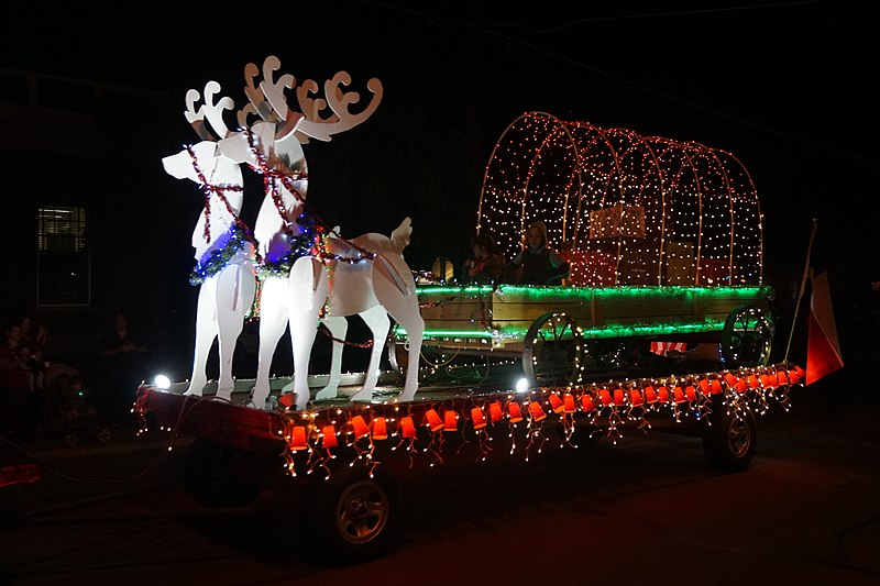 Christmas Parades Near Me 2019.Parade Application Float Hometown Holiday Christmas Parade